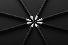 Σύνολο μαύρων μολυβιών στο μαύρο υπόβαθρο Στοκ Εικόνες