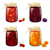Σύνολο με τα επικασσιτερωμένα φρούτα και τα μούρα Στοκ Φωτογραφία