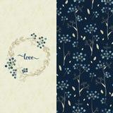 Σύνολο με το διανυσματικό μπλε σχέδιο με τα όμορφα λουλούδια και μια κάρτα με συρμένη τη χέρι αγάπη λέξης Στοκ Φωτογραφία