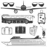 Σύνολο μονοχρωματικών εικονιδίων ταξιδιού και τουρισμού, στοιχεία σχεδίου που απομονώνονται στο άσπρο υπόβαθρο Στοκ Εικόνα
