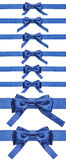Σύνολο μπλε τόξων στις κορδέλλες σατέν που απομονώνονται Στοκ Φωτογραφία
