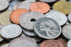 Σύνολο νομισμάτων από τη διαφορετική χώρα Στοκ φωτογραφία με δικαίωμα ελεύθερης χρήσης