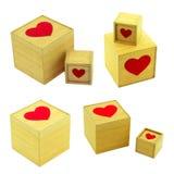 Σύνολο ξύλινων κιβωτίων με την καρδιά στο άσπρο υπόβαθρο Στοκ εικόνα με δικαίωμα ελεύθερης χρήσης