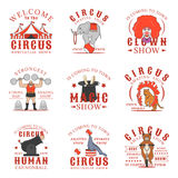 Σύνολο λογότυπων, εμβλημάτων, ετικετών και διακριτικών τσίρκων Σύνολο διανυσματικών προτύπων στο άσπρο υπόβαθρο Στοκ Φωτογραφία