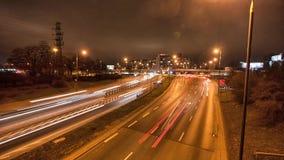 Σύνολο οδών των αυτοκινήτων Χρονική πάροδος της ζωής νύχτας πόλεων απόθεμα βίντεο