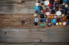 Σύνολο παλαιών και σύγχρονων μοντέρνων κουμπιών για τα ενδύματα Στοκ φωτογραφία με δικαίωμα ελεύθερης χρήσης