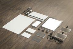 Σύνολο στοιχείων προτύπων στον ξύλινο πίνακα Επιχειρησιακό πρότυπο προτύπων Στοκ εικόνες με δικαίωμα ελεύθερης χρήσης
