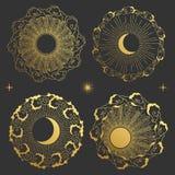 Σύνολο στρογγυλών πλαισίων στο ασιατικό ύφος Φεγγάρι, ήλιος, σύννεφα στον ουρανό Στοκ Φωτογραφίες