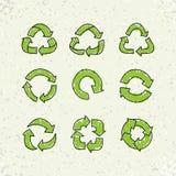 Σύνολο συμβόλου επαναχρησιμοποίησης σκίτσων doodle διανυσματικού ανακύκλωσης στο υπόβαθρο εγγράφου τεχνών διανυσματική απεικόνιση