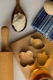 Σύνολο συστατικών που χρησιμοποιούνται για το ψήσιμο Στοκ φωτογραφίες με δικαίωμα ελεύθερης χρήσης
