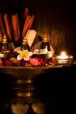 Σύνολο ταϊλανδικού χορταριού SPA με το φως κεριών Στοκ φωτογραφία με δικαίωμα ελεύθερης χρήσης