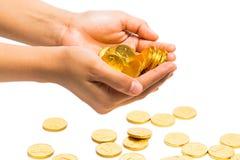 Σύνολο χεριών των χρυσών νομισμάτων στοκ φωτογραφία με δικαίωμα ελεύθερης χρήσης