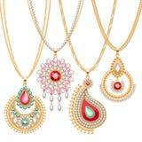 Σύνολο χρυσών αλυσίδων με τα διαφορετικά κρεμαστά κοσμήματα απεικόνιση αποθεμάτων