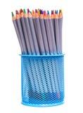 Σύνολο χρωματισμένων μολυβιών σε μια στάση Σε μια άσπρη ανασκόπηση Στοκ Φωτογραφίες