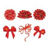 Σύνολο όμορφων καρτών με τα κόκκινα τόξα δώρων με το διάνυσμα κορδελλών Διανυσματική απεικόνιση
