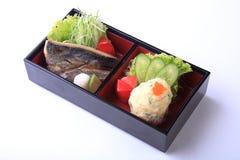 Σύνολο Bento yaki shio της Saba (η ψημένη στη σχάρα Saba με το άλας) με την πατάτα Στοκ φωτογραφία με δικαίωμα ελεύθερης χρήσης