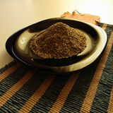 Σύντροφος Yerba στο μαύρο πιάτο στοκ φωτογραφία