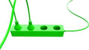 Σύνδεση ενός ηλεκτρικού καλωδίου σκοινιού με την υποδοχή Πράσινη ενεργειακή έννοια οθόνης Απομονώστε στο λευκό απόθεμα βίντεο