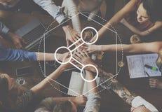 Σύνδεση που μοιράζεται τη γραφική έννοια τεχνολογίας πληροφοριών στοκ φωτογραφίες