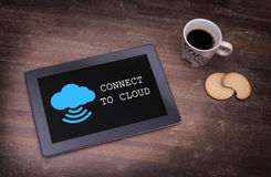 Σύνδεση σύννεφο-υπολογισμού σε ένα ψηφιακό PC ταμπλετών Στοκ Εικόνες