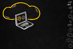 Σύνδεση σύννεφων lap-top απεικόνιση αποθεμάτων