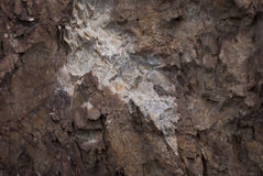 Σύσταση βράχου Η άποψη των στρωμάτων του ξεπερασμένου βράχου Στοκ εικόνες με δικαίωμα ελεύθερης χρήσης