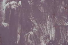 Σύσταση ενός κακώς χρωματισμένου τοίχου της πορφύρας στοκ φωτογραφία με δικαίωμα ελεύθερης χρήσης