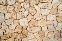 Σύσταση ενός τοίχου πετρών, δρόμοι από τις πέτρες, τούβλα, κυβόλινθοι, κεραμίδια με τις αμμώδεις ραφές γκρίζου αρχαίου εθνικό ver στοκ φωτογραφίες
