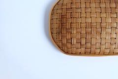 Σύσταση καλαθιών ύφανσης μπαμπού στο άσπρο υπόβαθρο, στοκ φωτογραφία με δικαίωμα ελεύθερης χρήσης