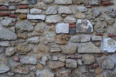 Σύσταση κινηματογραφήσεων σε πρώτο πλάνο του αρχαίου τοίχου στη Λισσαβώνα στοκ εικόνες
