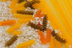 Σύσταση μακαρονιών, ρυζιού και spaguetti στοκ εικόνες