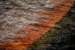 Σύσταση μια μεγάλη επιφάνεια του παράκτιου τροπικού νησιού κλίσεων πετρών Στοκ εικόνες με δικαίωμα ελεύθερης χρήσης