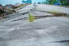 Σύσταση οδικών ρωγμών υποβάθρου οικοδόμησης με το διάστημα αντιγράφων εικόνα FO Στοκ Εικόνες