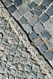 Σύσταση οδών και πεζοδρομίων κυβόλινθων Διαγώνιος χωρισμός Στοκ εικόνα με δικαίωμα ελεύθερης χρήσης