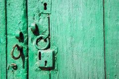 Σύσταση στην παλαιά πόρτα Στοκ Εικόνες