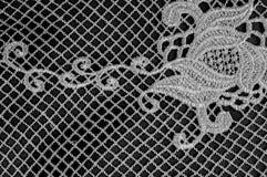 Σύσταση, σχέδιο Το ύφασμα δαντελλών είναι γκρίζο, γραπτός άθλος Στοκ εικόνα με δικαίωμα ελεύθερης χρήσης