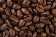 Σύσταση της επιφάνειας των ψημένων φασολιών καφέ Στοκ φωτογραφία με δικαίωμα ελεύθερης χρήσης