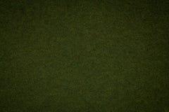 Σύσταση του παλαιού σκούρο πράσινο υποβάθρου εγγράφου, κινηματογράφηση σε πρώτο πλάνο Δομή του πυκνού χαρτονιού βρύου Στοκ εικόνες με δικαίωμα ελεύθερης χρήσης