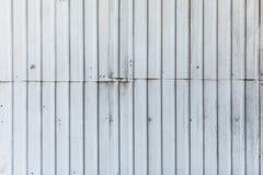 Σύσταση του τοίχου μετάλλων με τη σύνδεση των επιτροπών Στοκ εικόνα με δικαίωμα ελεύθερης χρήσης