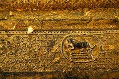 Σύσταση του χρυσού φύλλου, χρυσό υπόβαθρο, από το Βούδα Στοκ φωτογραφία με δικαίωμα ελεύθερης χρήσης