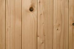Σύσταση των ελαφριών ξύλινων πινάκων Ανοικτό καφέ ξύλινη επιφάνεια σανίδων, παρκέ Άσπρο υπόβαθρο ξύλου πεύκων Ξύλινο σχέδιο τοίχω στοκ φωτογραφίες