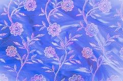 Σύσταση, υπόβαθρο, σχέδιο Δαντέλλα που διακοσμείται ρόδινη με τα λουλούδια ο στοκ εικόνες