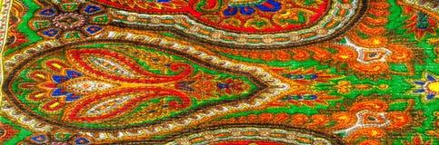 Σύσταση, υπόβαθρο, σχέδιο Σάλι γυναίκας, σάλι φωτεινό χρώμα Στοκ Εικόνες