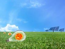 Σύστημα ενεργειακού πλέγματος δύναμης ηλιακών κυττάρων στο υπόβαθρο έννοιας ιδέας Στοκ Εικόνες