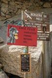 Σύστημα σηματοδότησης Bergerie de Melu σε Restonica στην Κορσική στοκ εικόνες