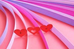 Σ' αγαπώ καρδιές με τις λουρίδες του χρωματισμένου εγγράφου - σειρά 4 Στοκ Φωτογραφία