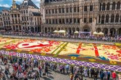 Τάπητας λουλουδιών στη μεγάλη θέση Βρυξέλλες Βέλγιο 2016 Στοκ φωτογραφία με δικαίωμα ελεύθερης χρήσης