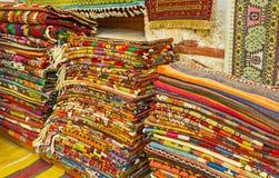 Τάπητες σε παλαιό Bazaar Antalya Στοκ Φωτογραφίες