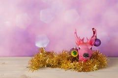 Τάρανδος Χριστουγέννων με τις διακοσμήσεις Στοκ Εικόνα