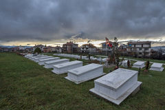 Τάφοι των μαχητών στρατού απελευθέρωσης Κοσόβου που σκοτώνονται στο Κόσοβο conf Στοκ Φωτογραφία